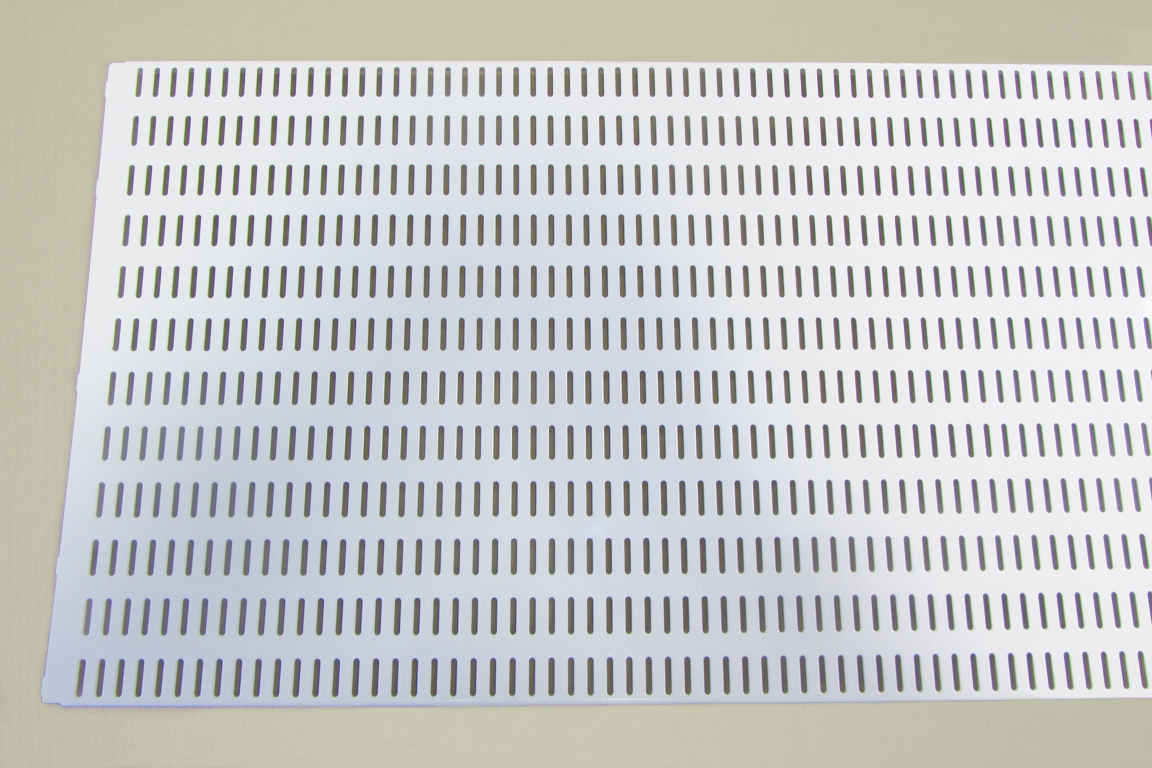 Перфорированная панель  90x38 см, белый